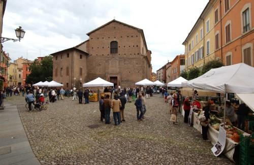 piazza pomposa,caldarroste,vin brulè