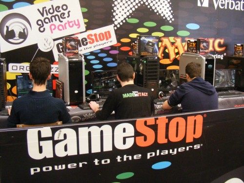 play2011-gamestop.jpg