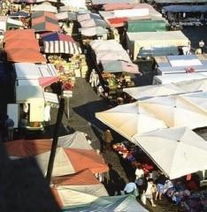 teatro storchi,monologhi della vagina,v-day,piazza grande,mercati straordinari,mercato artigianale